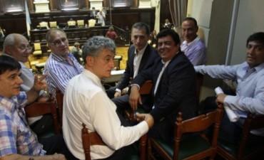 ALVAREZ PARTICIPO DE LAS NEGOCIACIONES PARA LOGRAR LA APROBACION DEL PRESUPUESTO BONAERENSE