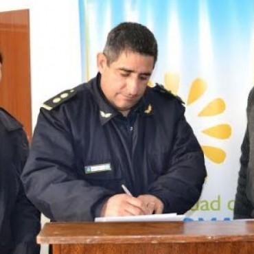 EL COMISARIO SE REFIRIO AL HECHO DELICTIVO Y A LA ENTREGA DE PATRULLEROS