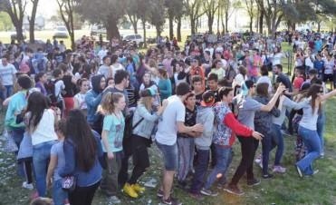 """""""CUMBIA NENA"""" Y """"DJ LUVI"""" EN LA RUTA PARA FESTEJAR LA PRIMAVERA"""