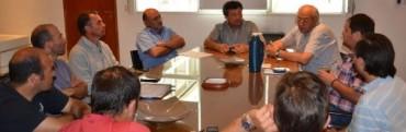 AUTORIDADES MUNICIPALES INFORMARON A LA CAMARA DE COMERCIO Y A LA SOCIEDAD RURAL SOBRE UNIDADES MODULARES PRODUCTIVAS