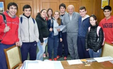 AYUDA AL CENTRO DE ESTUDIANTES DE LA ESCUELA TÉCNICA