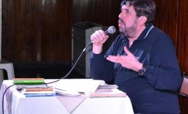 MAS DE 200 PERSONAS DISFRUTARON DEL ESPECTÁCULO DE ALEJANDRO APO