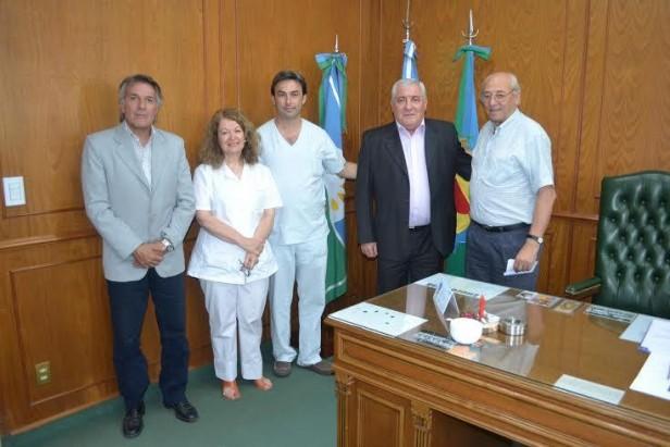 Informe oficial: EL INTENDENTE PRESENTO DOS NUEVOS MEDICOS