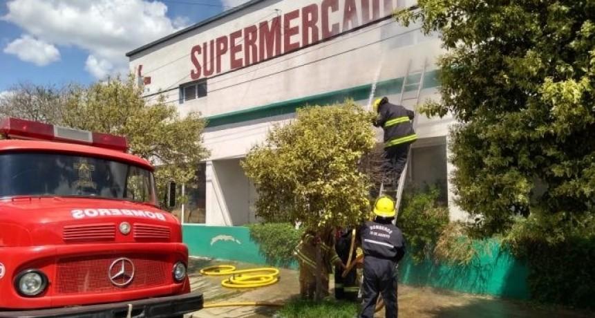 INCENDIO EN SUPERMERCADO CHINO CONMOCIONO A 30 DE AGOSTO