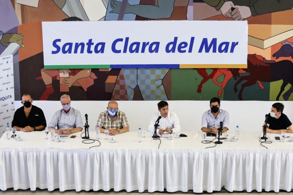 KICILLOF: EN FEBRERO COMIENZA LA VACUNACION DE GRUPOS DE RIESGO EN ESCUELAS