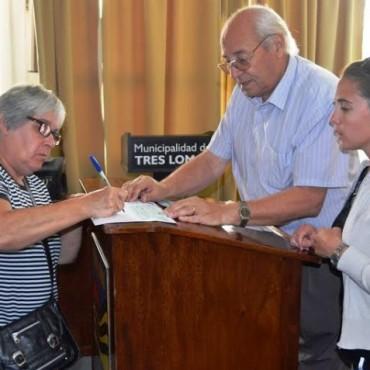EL MUNICIPIO ENTREGO 63 BECAS PARA ESTUDIANTES TRESLOMENSES