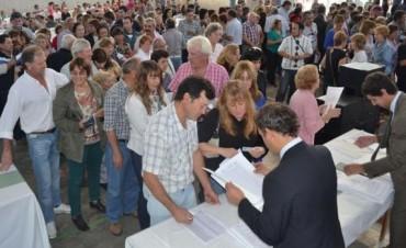 ENTREGARON 152 ESCRITURAS Y SE FIRMARON 131 NUEVOS TITULOS DE PROPIEDAD