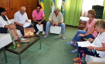 EL INTENDENTE SE REUNIO CON DIRECTIVOS Y AUTORIDADES DEL CEPT 7