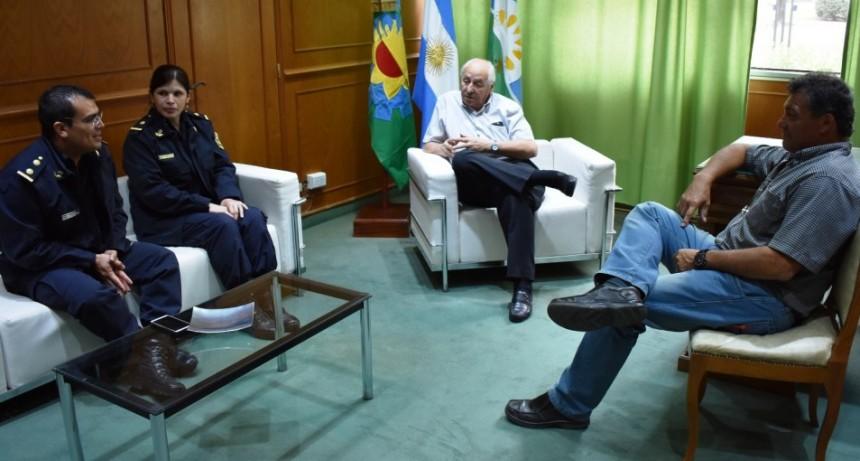 AUTORIDADES POLICIALES DE POLITICA DE GENERO SE REUNIERON CON EL INTENDENTE