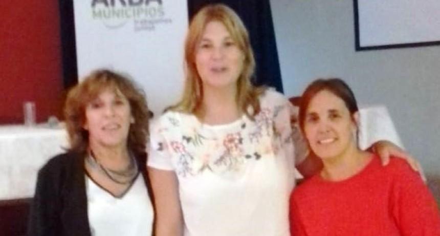FUNCIONARIAS TRESLOMENSES EN EL IV FORO TRIBUTARIO REGIONAL