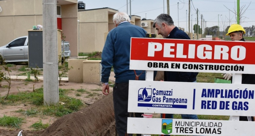 CAMUZZI Y EL MUNICIPIO CONTINUAN EXTENDIENDO LA RED DE GAS DOMICILIARIA
