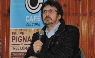 PIGNA EN TRES LOMAS - MAS DE 400 PERSONAS DISFRUTARON DE LA CHARLA DEL HISTORIADOR
