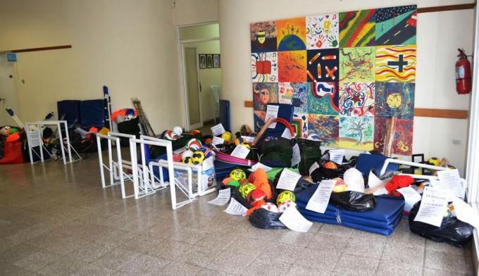 ENTREGARAN MATERIAL DEPORTIVO A INSTITUCIONES DEL DISTRITO