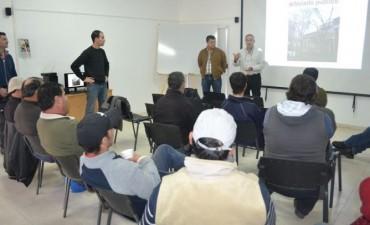 OPERARIOS MUNICIPALES PARTICIPARON DE CURSO DE PODA EN EL ARBOLADO PUBLICO