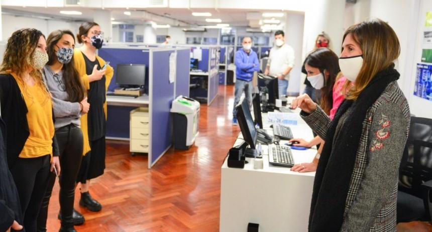 FERNANDA RAVERTA RECORRIÓ LA OFICINA DE ATENCIÓN TELEFÓNICA DE LA ANSES