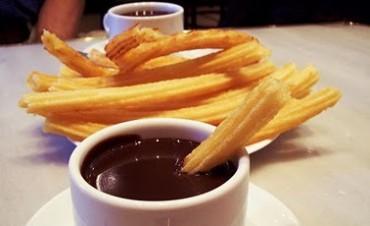 JUEGOS Y CHOCOLATE CON CHURROS EN LA CASA DE LAS HERMANAS