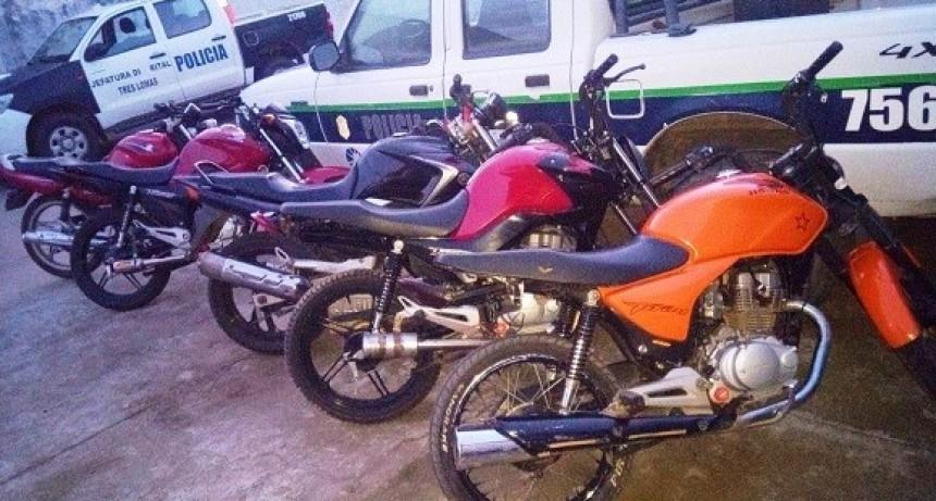 SECUESTRAN MOTOCICLETAS POR INFRACCIONES DE TRANSITO