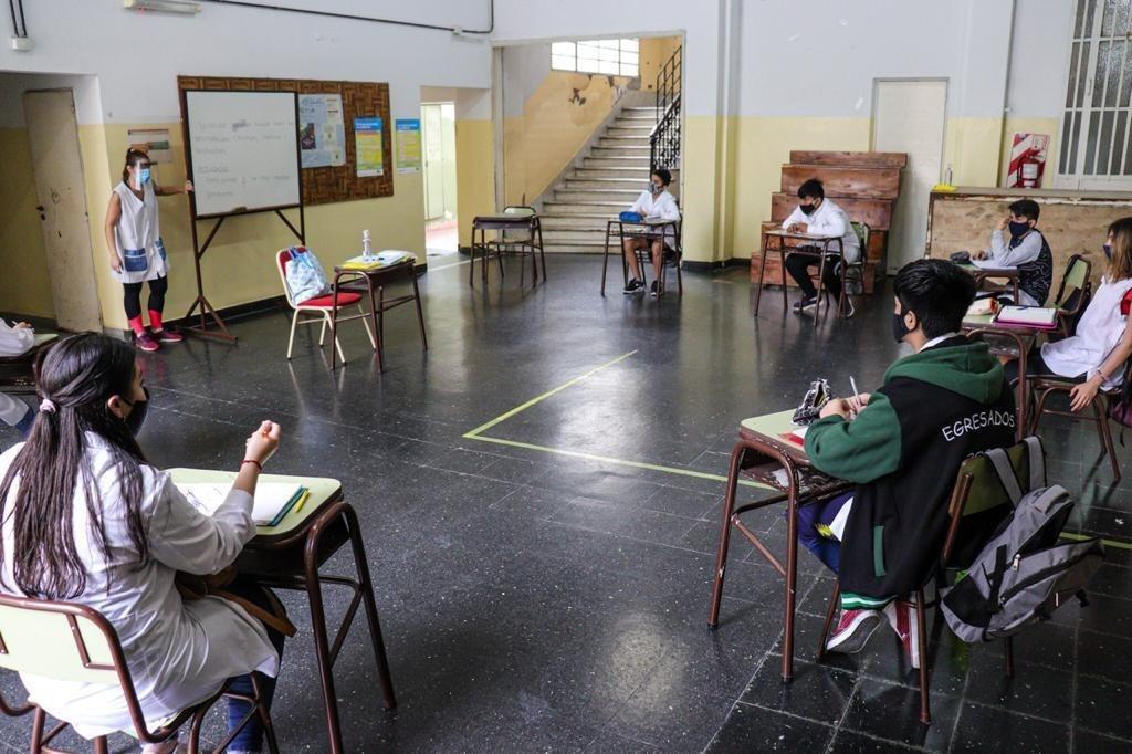 ESCUELAS DE SALLIQUELO Y 23 DISTRITOS DEL INTERIOR VUELVEN A CLASES PRESENCIALES
