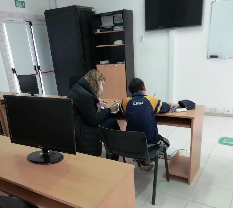 ALUMNOS Y DOCENTES DEL DISTRITO TRABAJAN EN LAS INSTALACIONES DEL PUNTO DIGITAL
