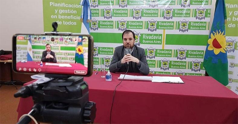 UN PRODUCTOR AGROPECUARIO DIO POSITIVO. TIENE CAMPO EN FORTIN OLAVARRIA Y ESTUVO DE VISITA. HAY TREINTA PERSONAS AISLADAS EN AMERICA.