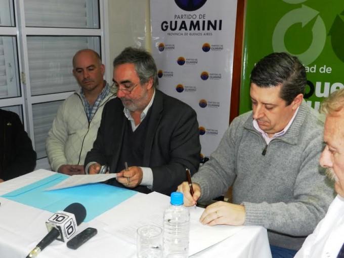TRENQUE LAUQUEN Y GUAMINÍ FIRMARON UN CONVENIO DE TRABAJO QUE BENEFICIA A GARRE