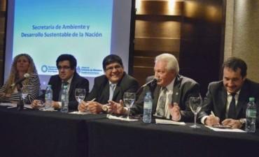 FUNCIONARIOS PRESENTES EN EL LANZAMIENTO DE LA GESTIÓN DE RESIDUOS SÓLIDOS URBANOS