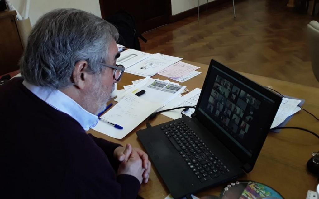 REUNIÓN SEMANAL DEL COMITÉ DE EMERGENCIA: FERNÁNDEZ DIO UN INFORME DE LA SITUACIÓN Y LAS ACTIVIDADES SIGUEN COMO HASTA AHORA
