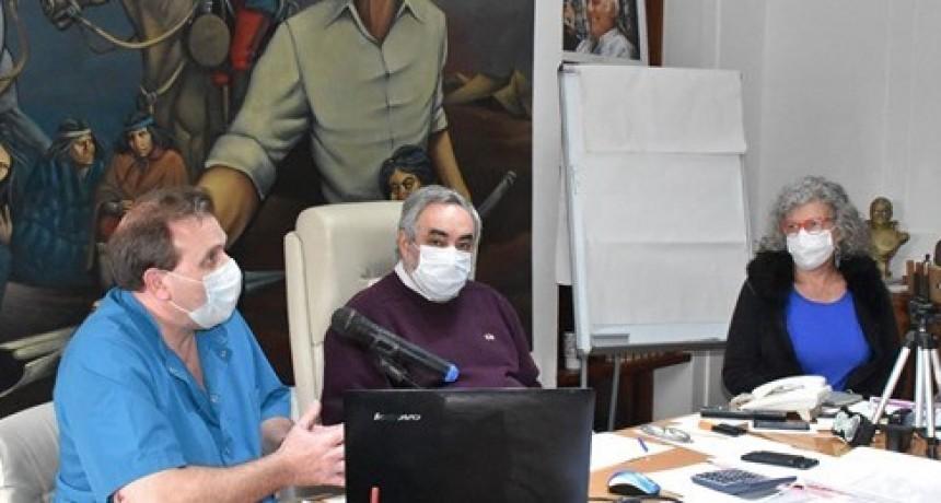 """COVID-19: EL SUBSECRETARIO DE SALUD Y LA DIRECTORA DEL HOSPITAL APELARON A LA RESPONSABILIDAD Y AL COMPROMISO PORQUE """"LOS NÚMEROS VAN A IR EN AUMENTO"""""""