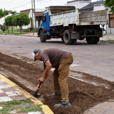 CONTINÚA LA REPARACION DE ASFALTO EN DIFERENTES PUNTOS DE LA CIUDAD