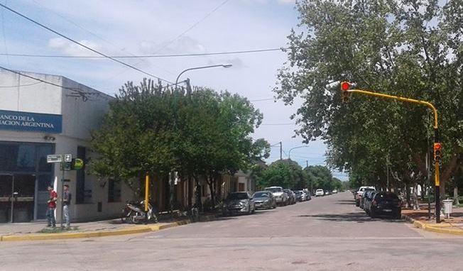 YA FUNCIONAN LOS SEMAFOROS UBICADOS EN SAN MARTIN Y 9 DE JULIO
