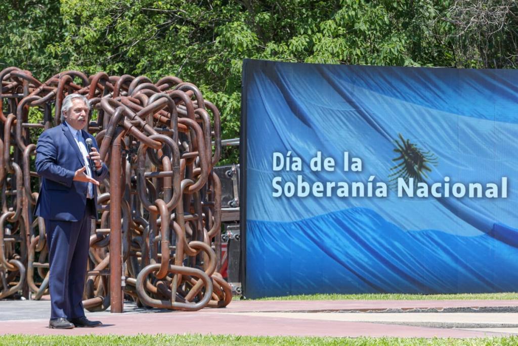 CON LA PRESENCIA DEL PRESIDENTE, NOSETTI PARTICIPÓ DEL ACTO POR EL DÍA DE LA SOBERANÍA NACIONAL