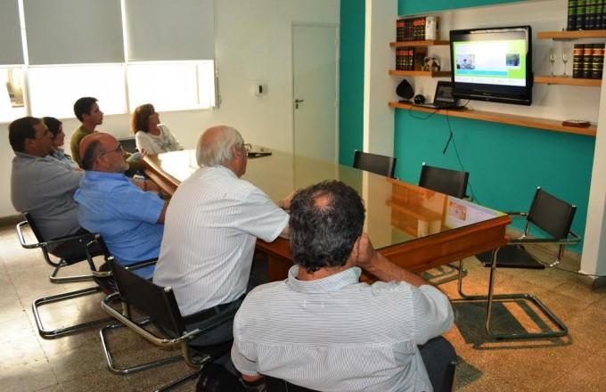 FUNCIONARIOS MUNICIPALES SIGUIERON POR STREAMING LA APERTURA DE LAS JORNADAS SOBRE CAMBIO CLIMATICO
