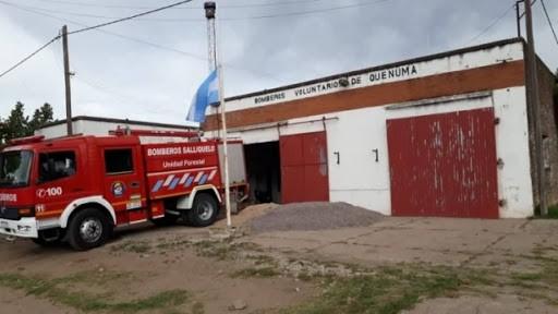 BOMBEROS DE QUENUMA AISLADOS. COLABORAN CUARTELES DE LA REGIÓN