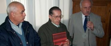 EL INTENDENTE FEITO ENTREGO RECONOCIMIENTO  AL DR. PROSPERI