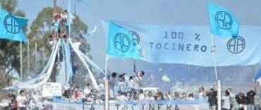 HINCHAS DE ATLETICO ARGENTINO INUNDAN LA RED SOCIAL CON AFICHES
