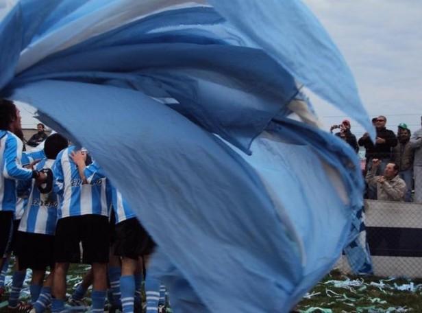 LOS DOS ARGENTINO ESTAN ARRIBA EN EL CLAUSURA. HAY CUATRO EQUIPOS A UN PUNTO.