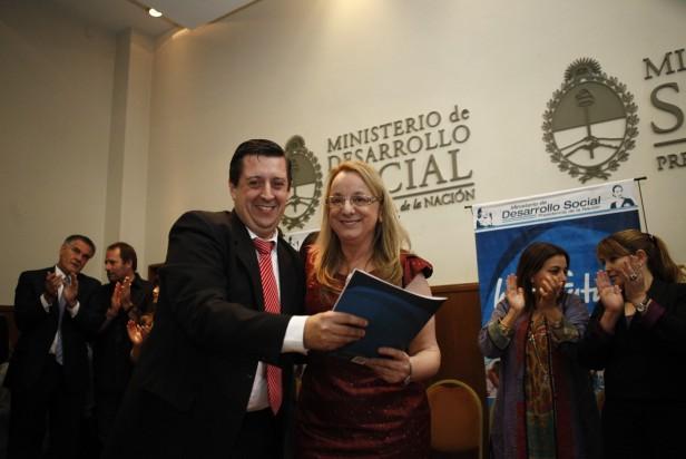 EL INTENDENTE RECIBIÓ UN SUBSIDIO DEL MINISTERIO DE DESARROLLO SOCIAL DE LA NACIÓN