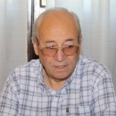 """ROBERTO ALVAREZ: """"NO BAJAMOS LOS BRAZOS"""""""