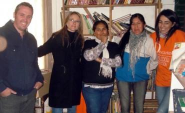 LIBROS DONADOS POR LA GENTE FUERON ENTREGADOS A UNA COMUNIDAD QOM